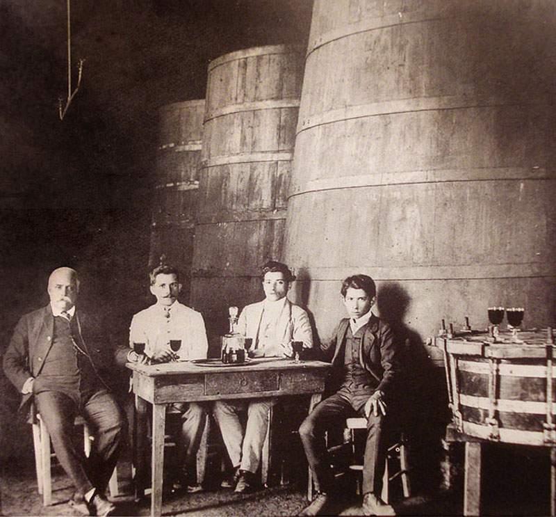 Caxias do Sul - Cantina Pieruccini em 1910.