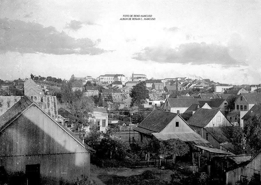 Caxias do Sul Vista tomada na parte oeste da cidade(atual bairro São Pelegrino) 1947