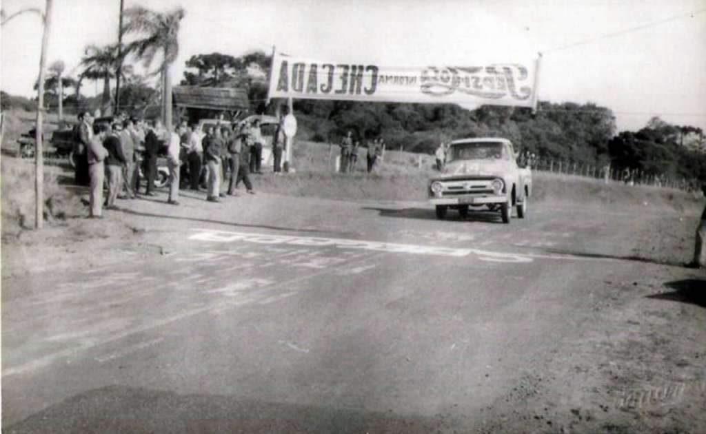 Passo Fundo Primeira  5 Milhas de Arrancada Faixa Passo Fundo- Marau 02-06-1963