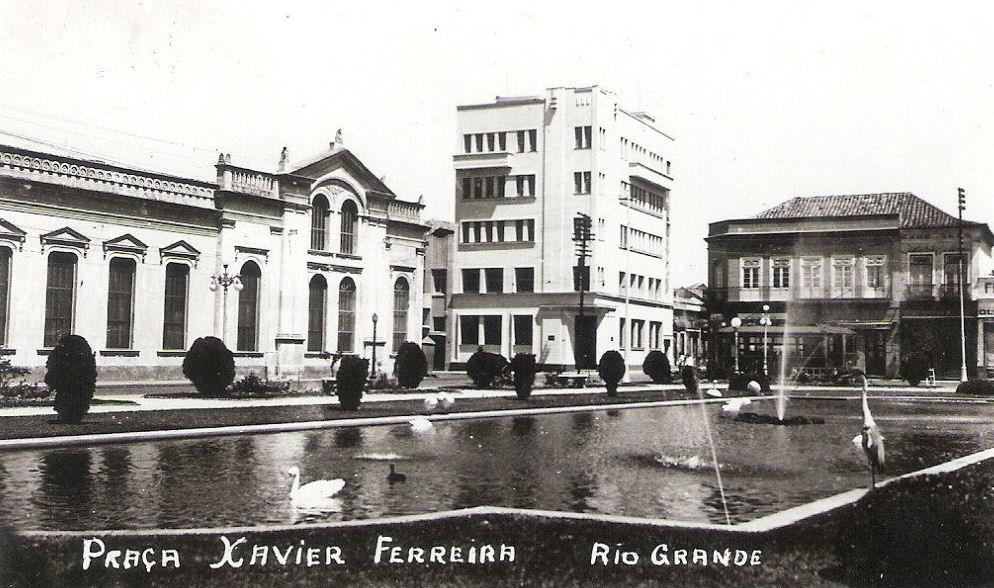 Rio Grande - Praça Xavier Ferreira.