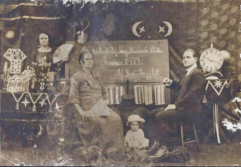Ijuí - Maria Haiske(centro foto 1891-1973) Interior do município em 1927.