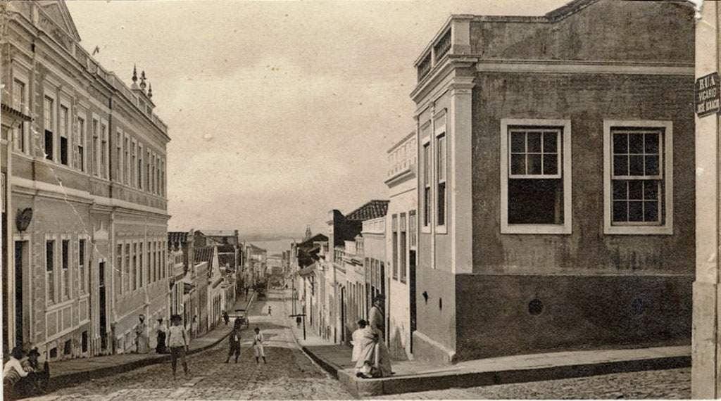Porto Alegre - Rua Vigário José Inácio esquina Av Voluntários da Pátria em 1910