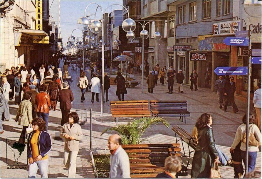 Santa Maria - Postal Calçadão na década de 1970.