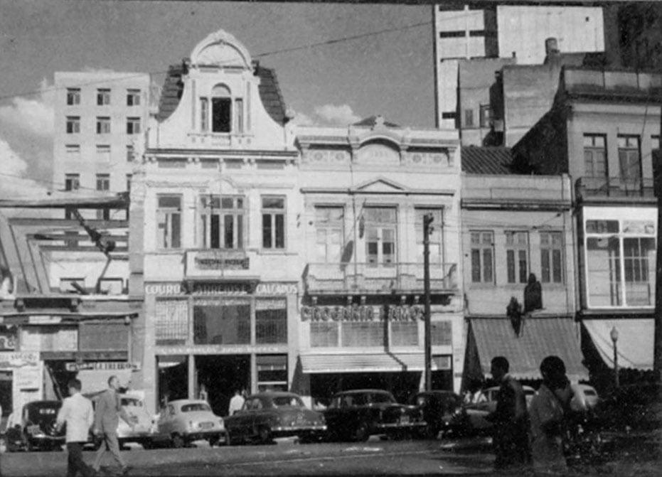 Porto Alegre Defronte a Praça XV na década de 1950.