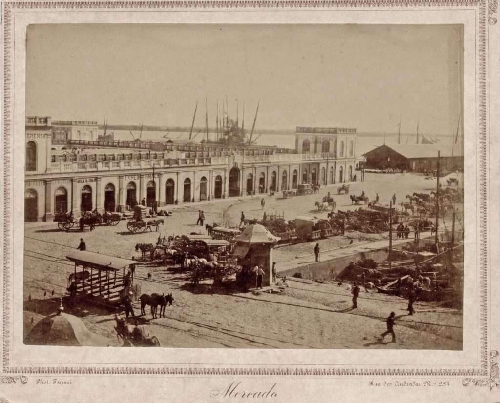 Porto Alegre - Mercado Público no século XIX.