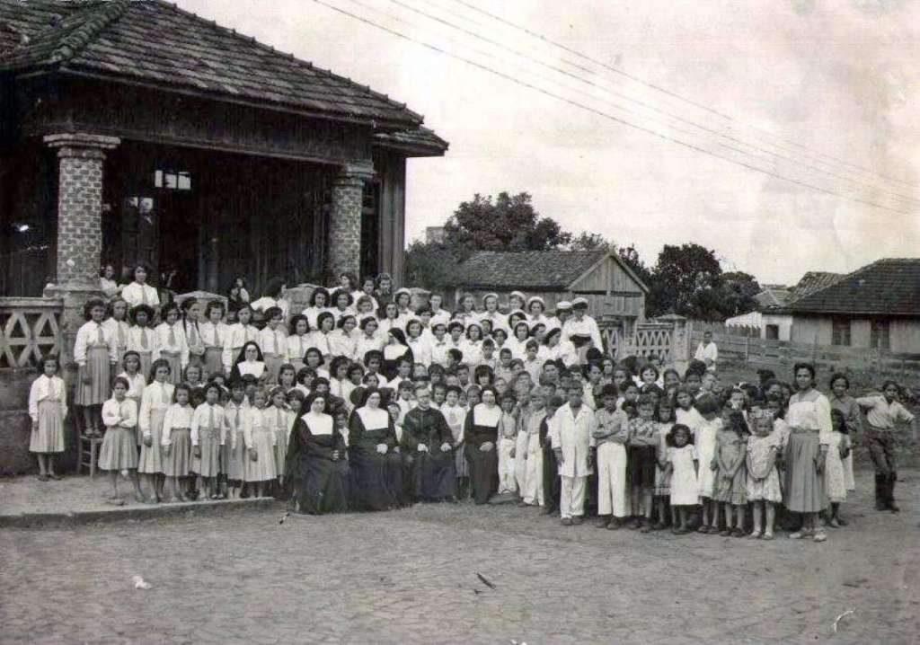 Passo Fundo - Colégio Santa Isabel na década de 1950.