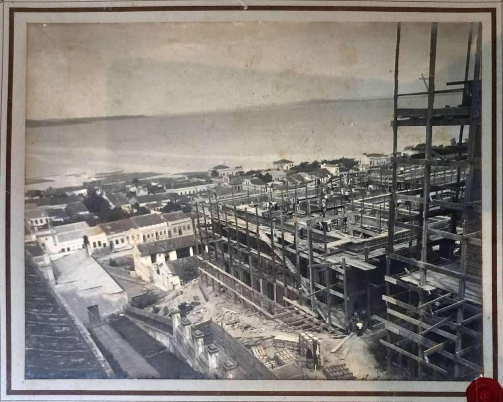 Porto Alegre - Construção do Palácio Piratini em julho de 1910.