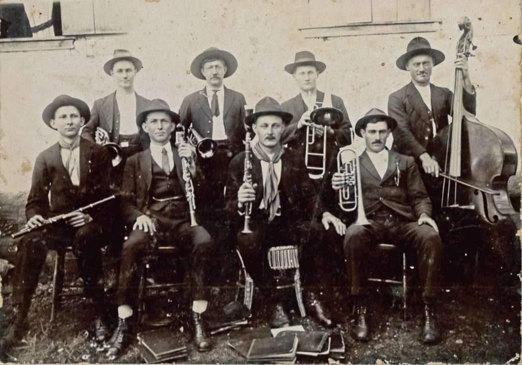 Teutônia Músicos de Boa Vista Fundos(foto Nila Lang Brackmann-acervo-Guido Lang) déc1920