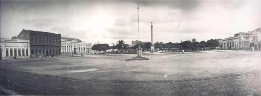 Jaguarão - Praça Alcides Marques (Praça da Matriz) no início do século XX.