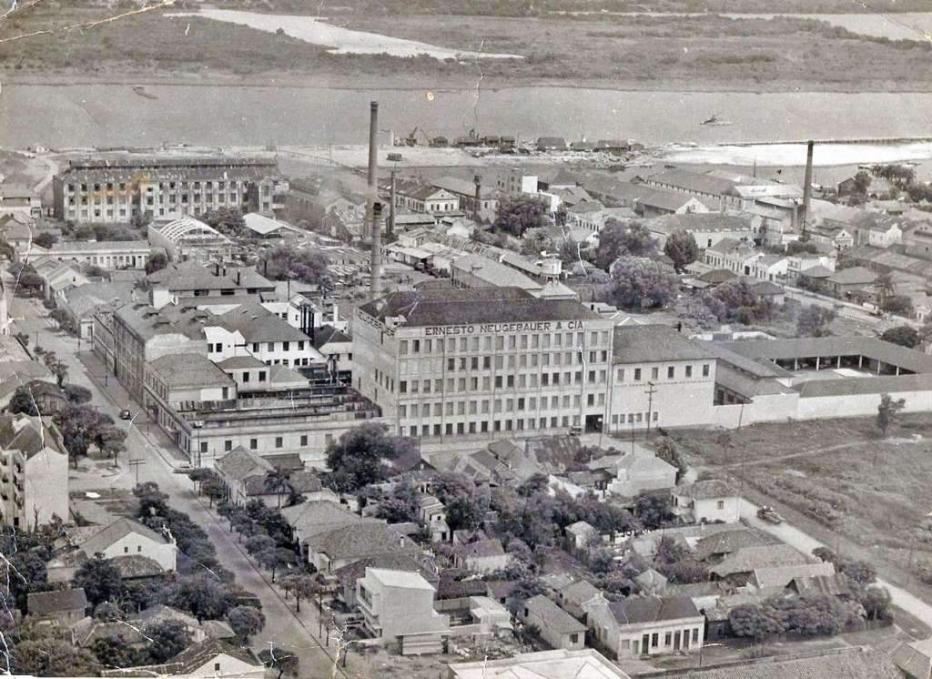 Porto Alegre - Fábrica da Ernesto Neugebauer na década de 1940.