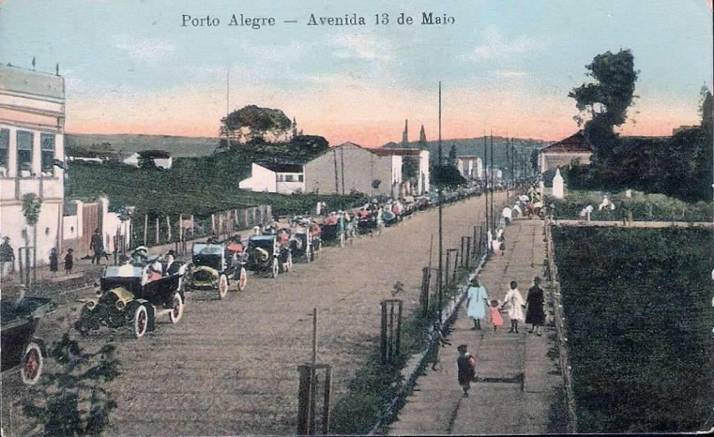 Porto Alegre - Postal Cortejo de casamento na Av 13 de maio(atual Getulio Vargas).