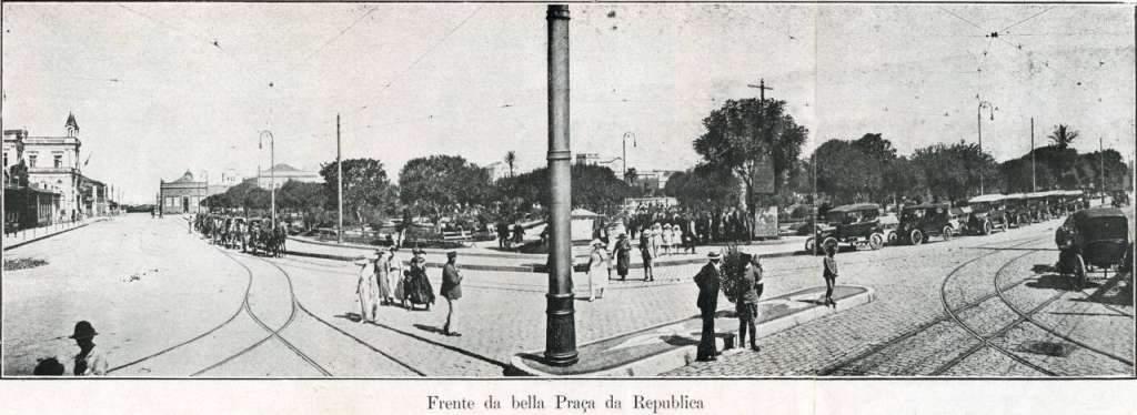 Pelotas - Praça da República na década de 1920.