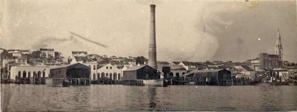 Porto Alegre - Vista do Lago Guaíba, Igreja das Dores em construção das torres no início do século XX.
