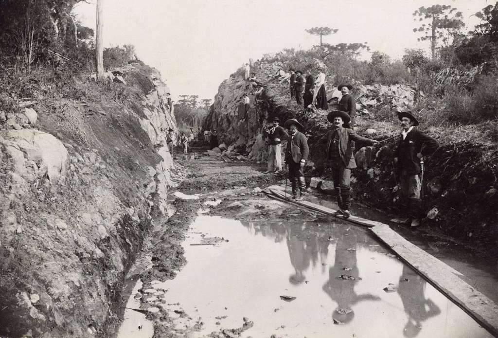 Caxias do Sul Construcão da Estrada de Ferro para Forqueta em 1910.