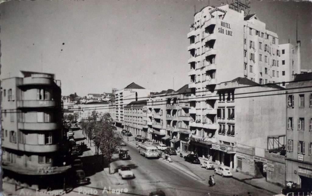 Porto Alegre - Avenida Farrapos em 1948.