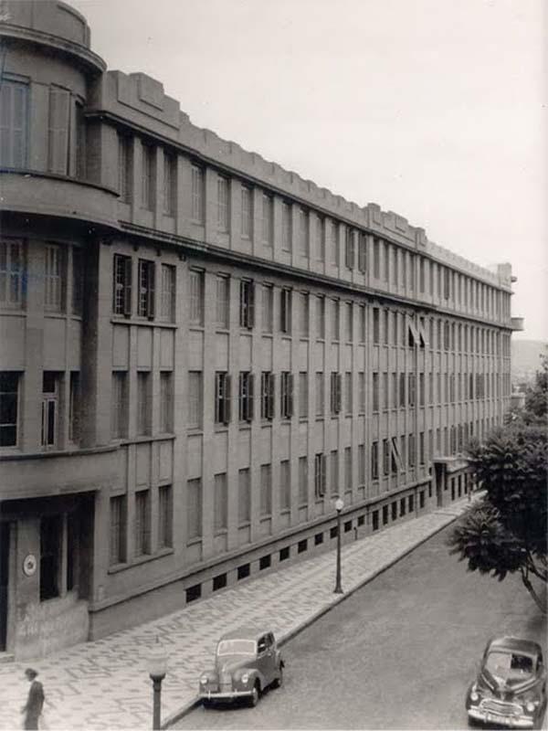 Porto Alegre - Colégio Rosário em 1952.