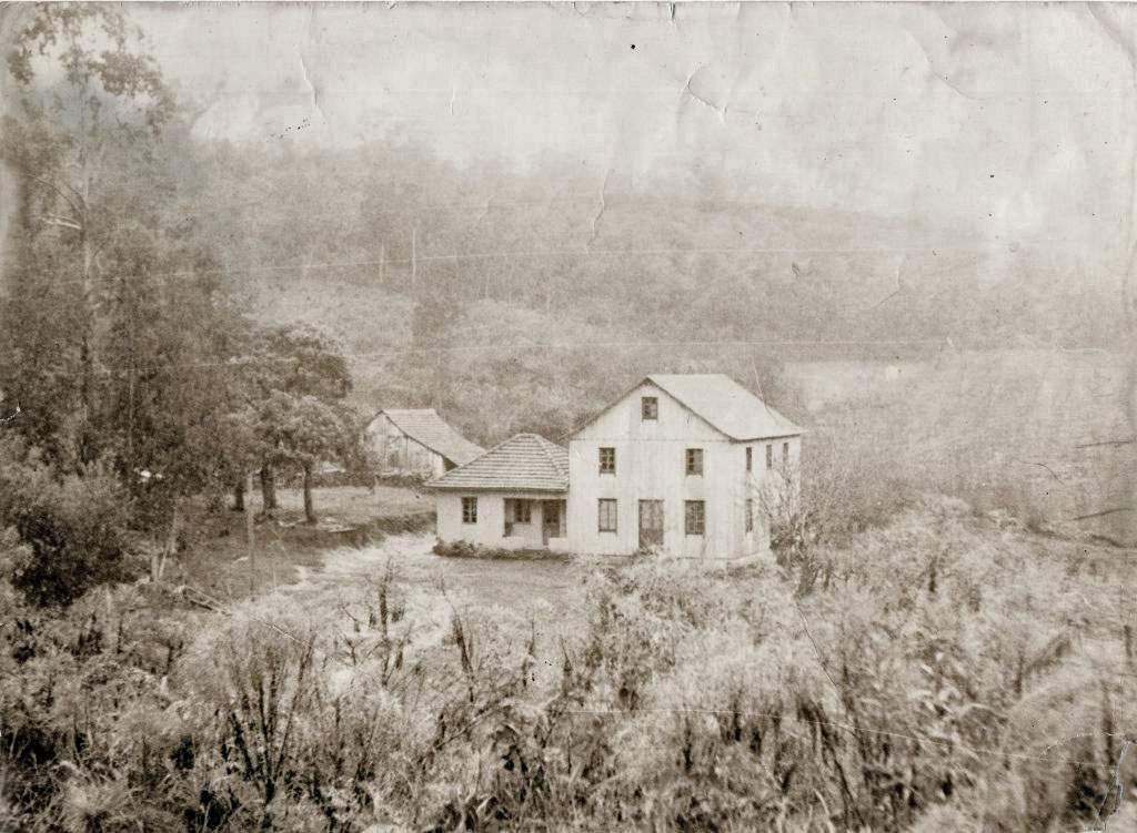 Bento Gonçalves - Casa Comparin em São José da Busa na década de 1970.