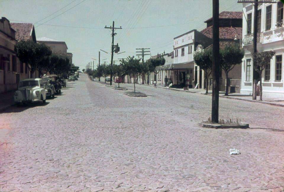 Guaíba - Avenida 7 de Setembro na década de 1960.