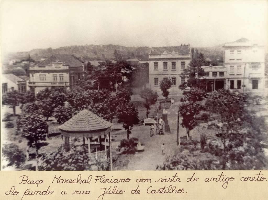 Lajeado - Praça Marechal Floriano e Rua Júlio de Castilhos no início do século XX.