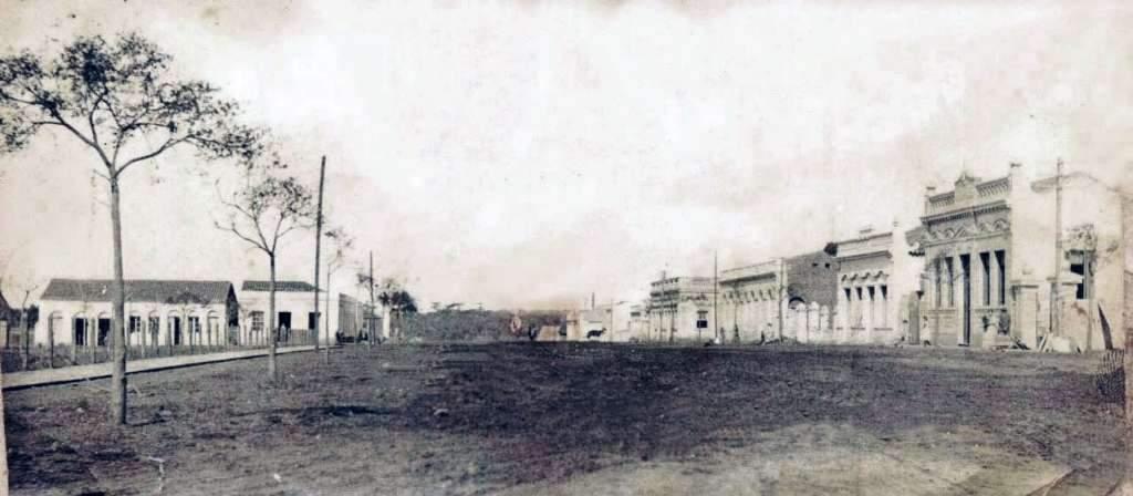 Passo Fundo - Avenida General Neto  e Praça Marechal Floriano no início do século XX.