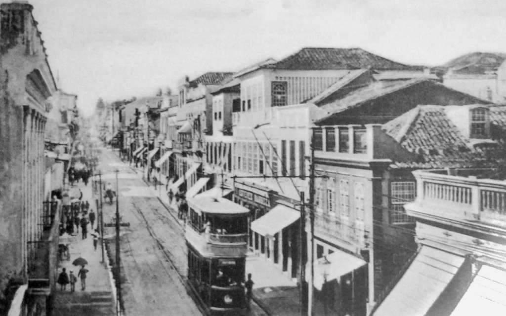 Porto ALegre-  Bonde Chopp Duplo na Rua da Praia(atual Rua dos Andradas) em 1912.