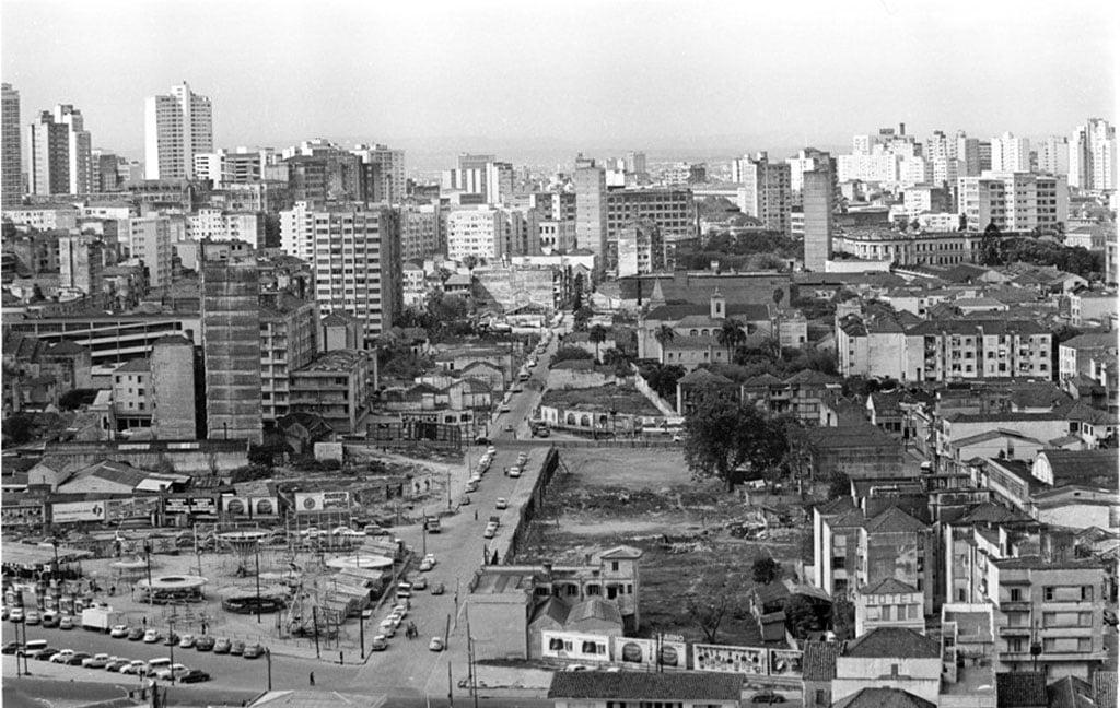 Porto Alegre - Avenida Loureiro da Silva (Primeira Perimetral)  em 1979.