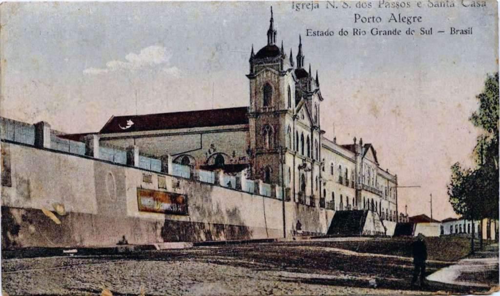 Porto Alegre - Igreja N S dos Passos e Santa Casa de Misericórdia no início do século XX.