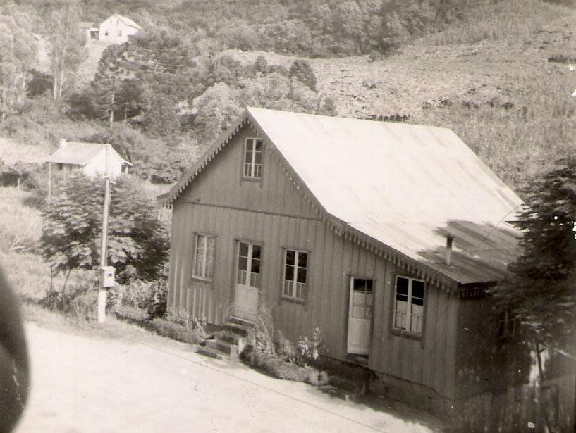 Bento Gonçalves - Casa de Alessio Massolini(tirada da janela do Hotel Cavalet) em 1965