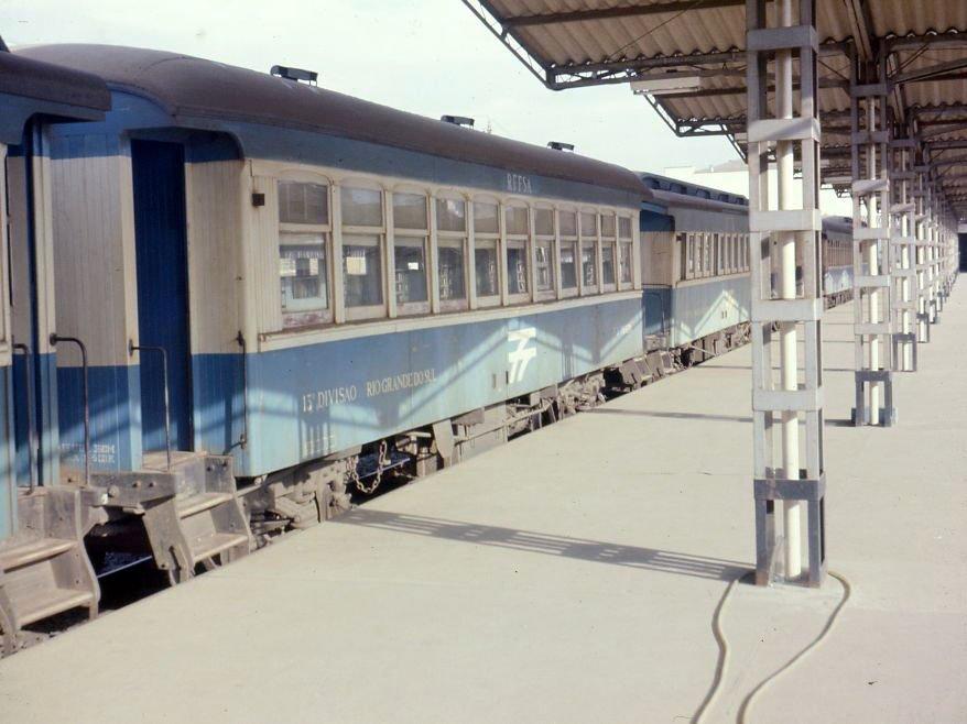 Porto Alegre - Estação Ferroviária na década de 1970.