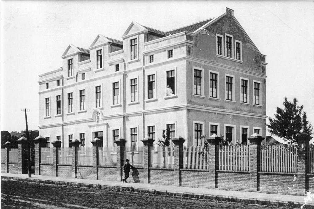 Santa Cruz do Sul - Hospital administrado pelas Irmãs Franciscanas no início do século XX.