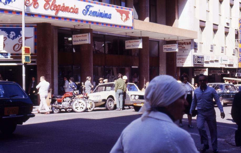 Santa Maria - Loja Elegância Feminina em 1982.