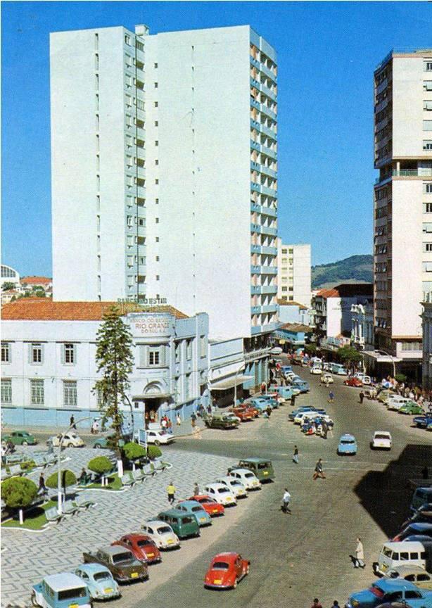 Santa Maria - Rua do Acampamento sem túnel na década de 1970.