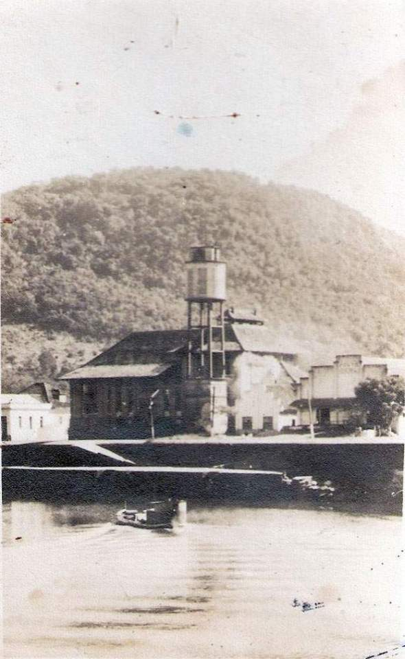 Montenegro - Margens do Rio Caí na década de 1930.