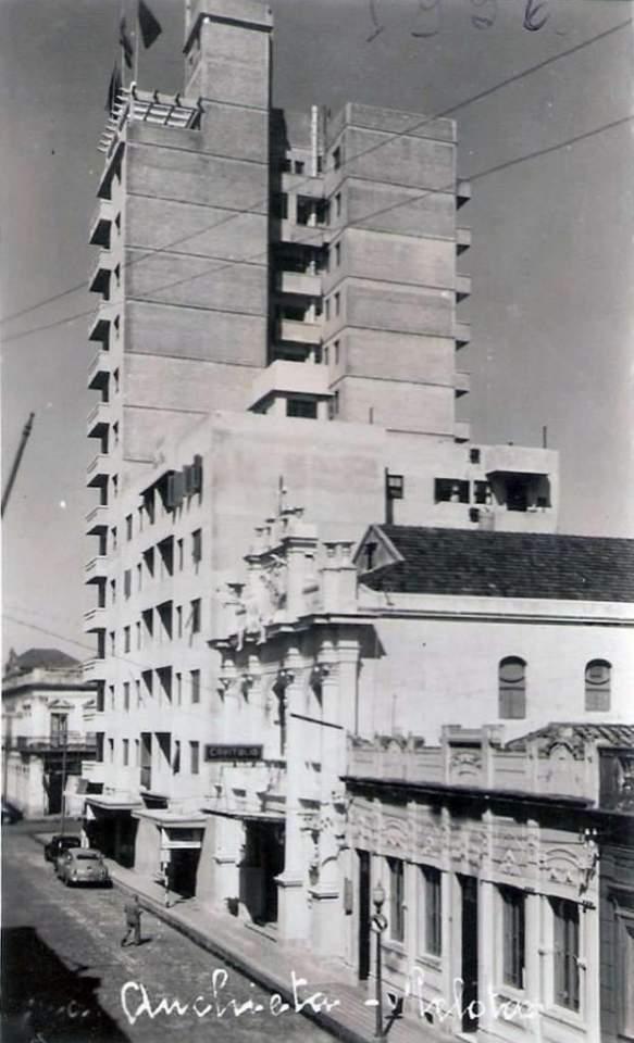 Pelotas - Rua Anchieta em 1956.