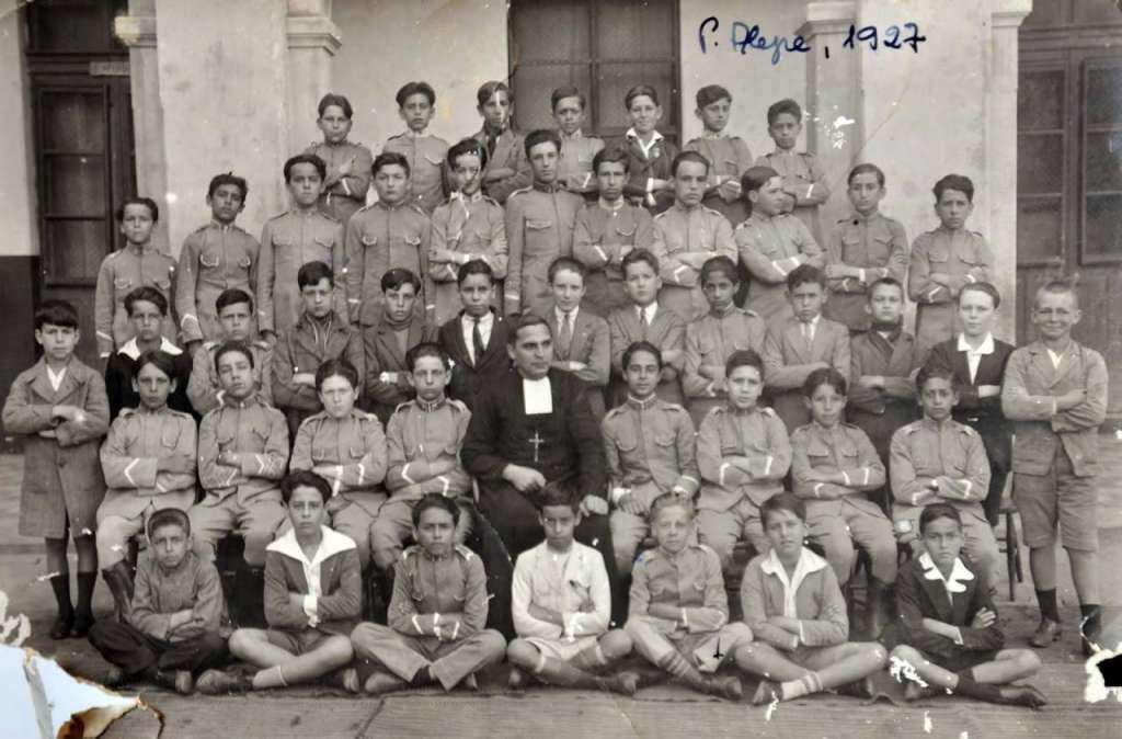 Porto Alegre - Turma do Colégio Anchieta em 1927. Fonte: acervo Otto Alcides Ohlweiler.