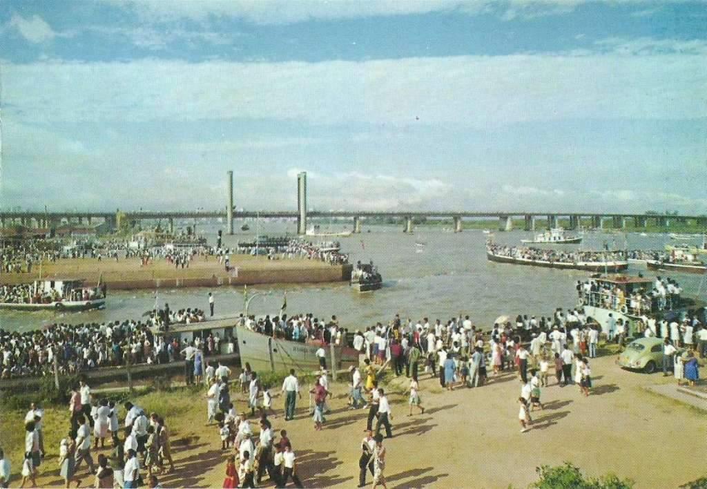Porto Alegre - Festa de Navegantes na década de 1970.