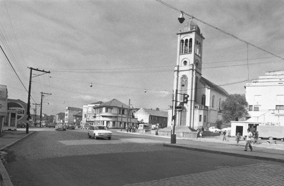Porto Alegre - Igreja São João em 1973. Fonte: foto Maurecy Santos.