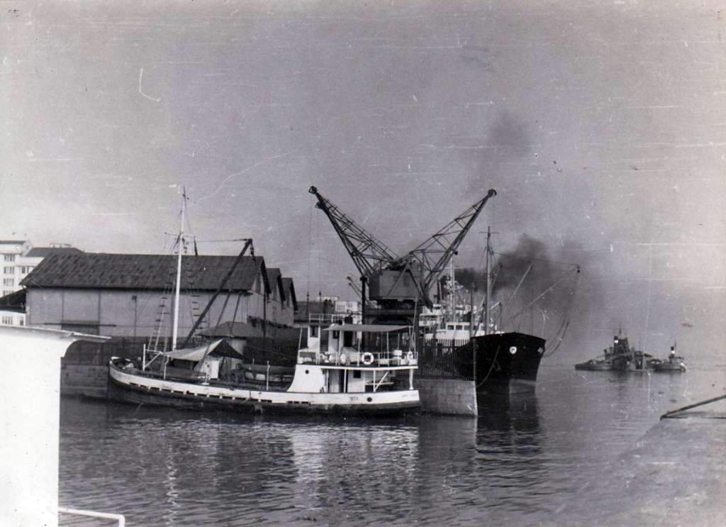Porto Alegre - Navios no Porto na década de 1950.