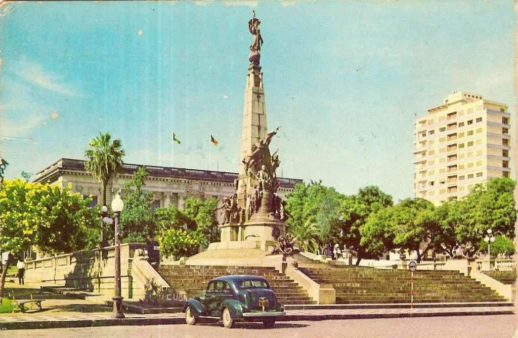 Porto Alegre - Postal da Praça Marechal Deodoro(Matriz) na década de 1960.