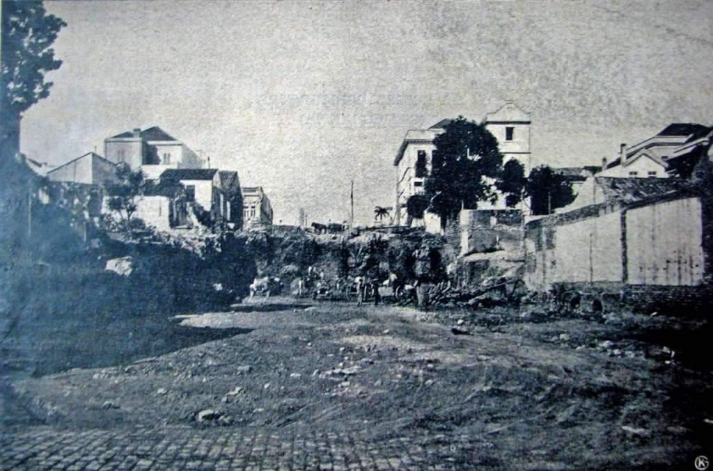 Porto Alegre - Obra do viaduto Otávio Rocha na Avenida Borges de Medeiros em 1920.