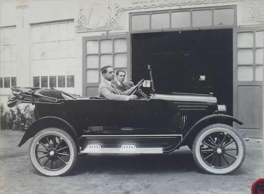 São Gabriel - Veículo Ford na década de 1930.
