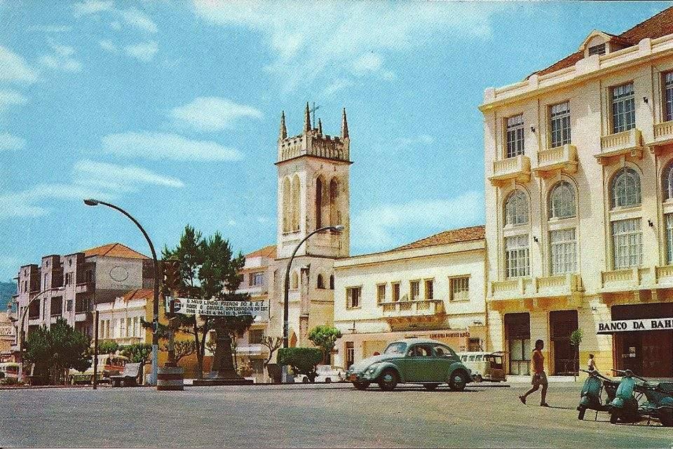 Santa Maria - Praça na década de 1970. Fonte: acervo Jonatas Vargas.