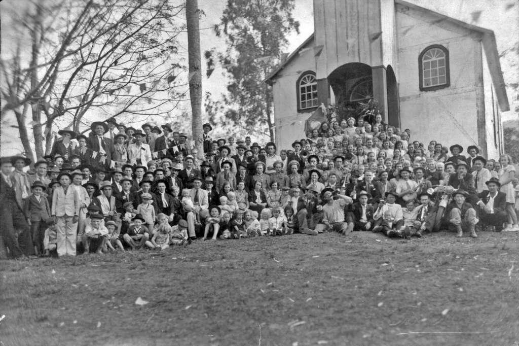 Lajeado - Festa na Colônia na década de 1930. Fonte: acervo Felipe Bouvie.