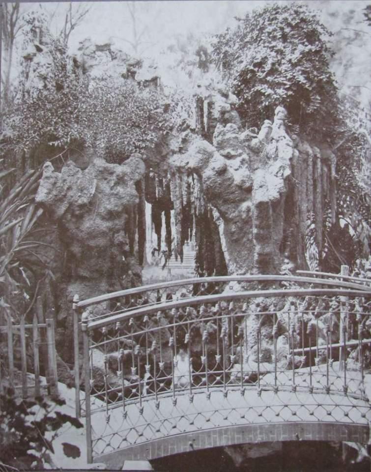 Porto Alegre - Fonte ornamental da Praça XV de novembro no final do século XIX. Fonte: foto Virgilio Calegari.