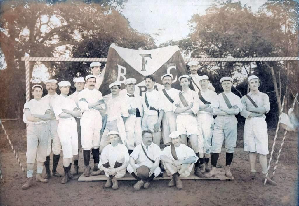 Porto Alegre - Fuss Ball Club Porto Alegre na década de 1920. Fonte: foto Sérgio J Schimitt. déc1920