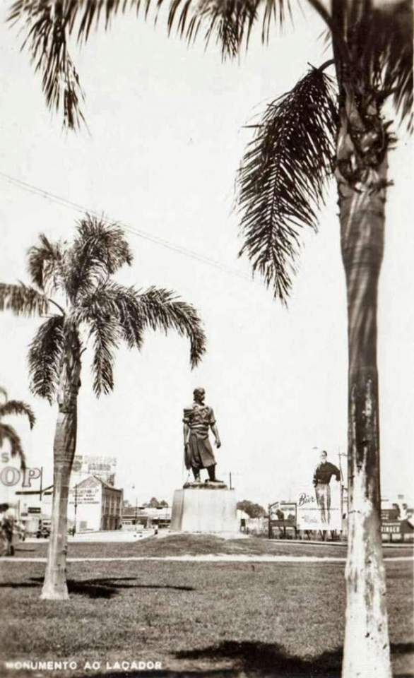 Porto Alegre - Monumento ao Laçador em 1950.
