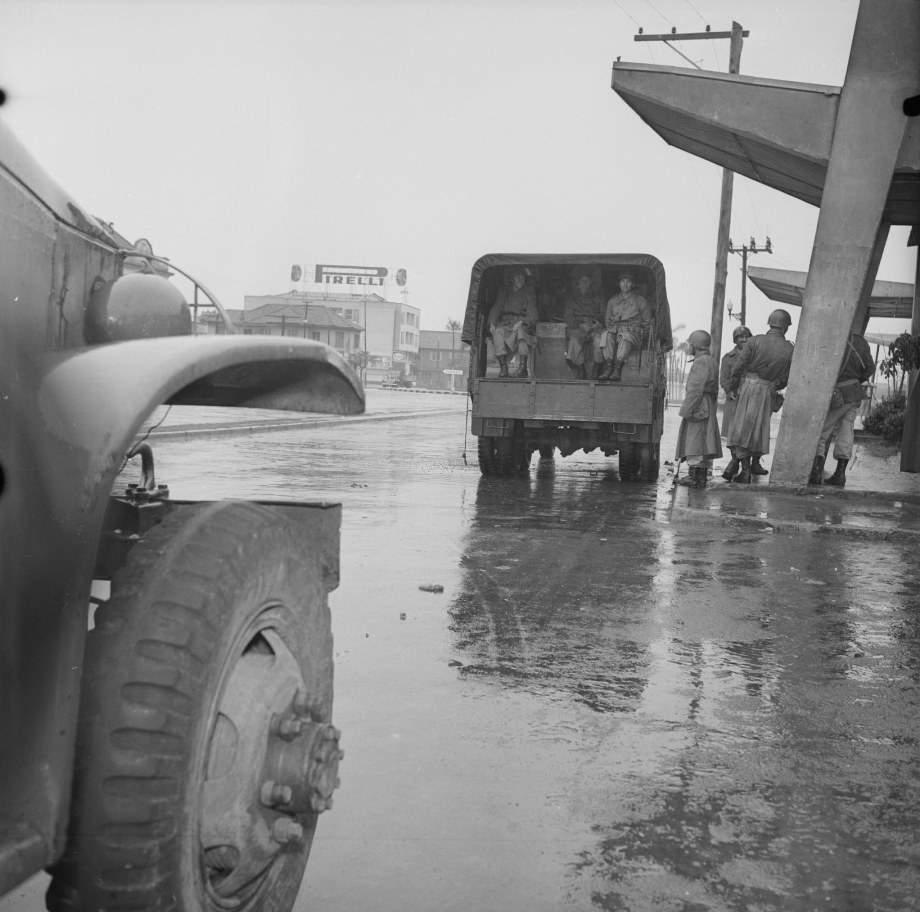 Porto Alegre - Movimento de soldados durante campanha da Legalidade em 1961.