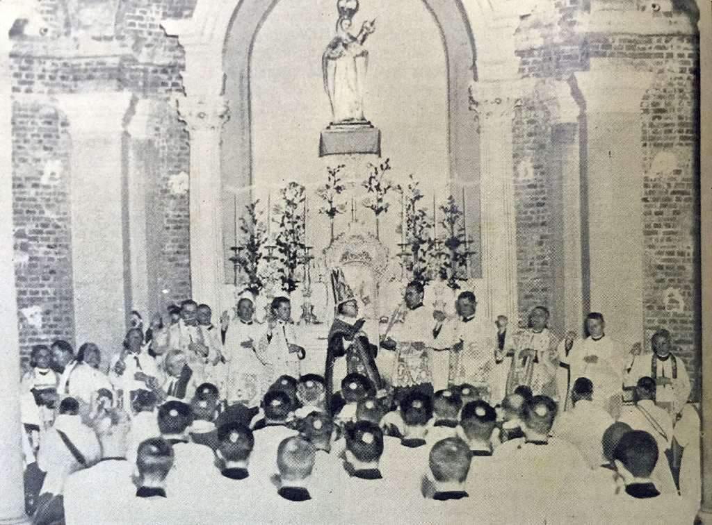 Porto Alegre - Ordenação sacerdotal na Cripta da Igreja Matriz no início do século XX.