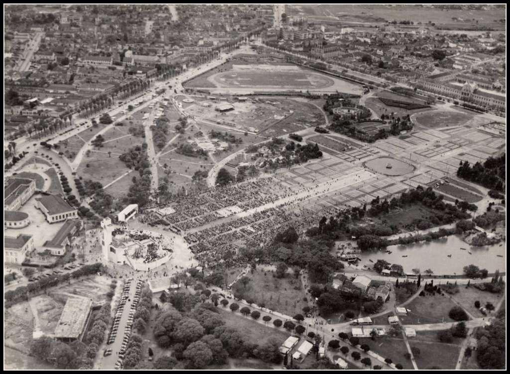 Porto Alegre - Congresso Eucarístico Nacional no Parque Farroupilha em 1948.