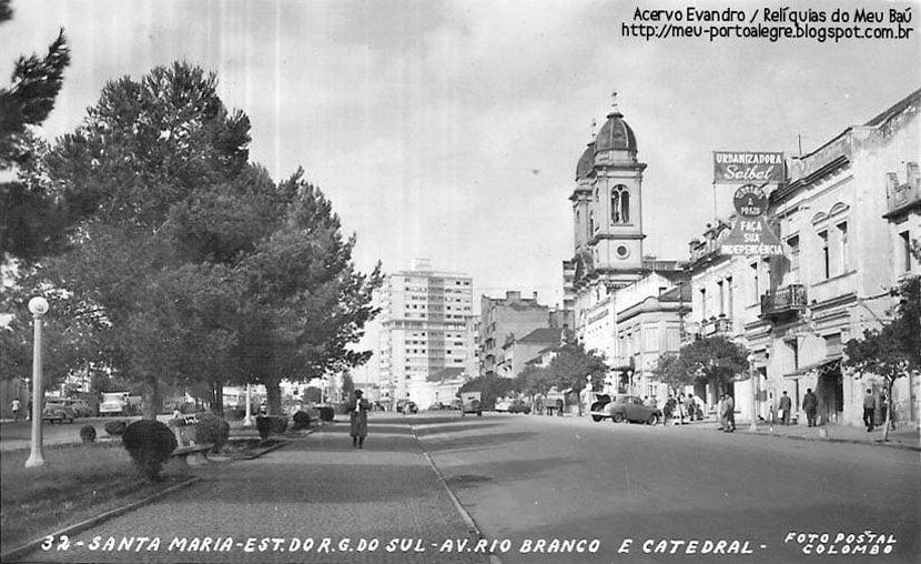 Santa Maria - Avenida Rio Branco na década de 1950. Fonte: acervo Jonatas Vargas.